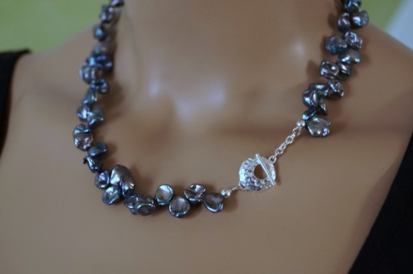 Perlenkette Keshi Perlen petrol 925 Silber