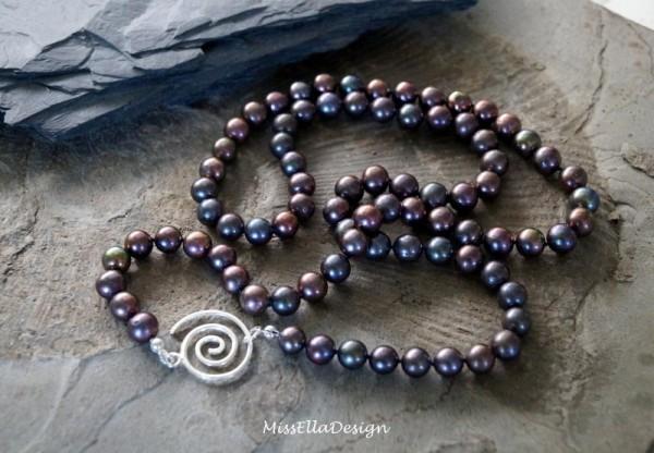 Perlenkette 90 cm lang geknotet 925 Silber Spiralverschluss Süßwasserperlen petrol