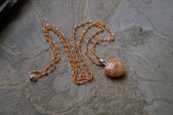 Kette Orangencalcit mit Anhänger Herz Sonnenstein 925 Silber Geschenk für Frau